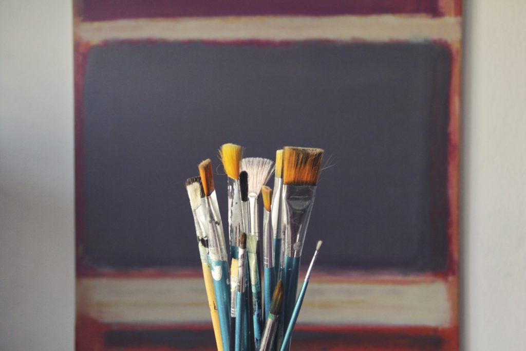 Brush. Photo from pexels