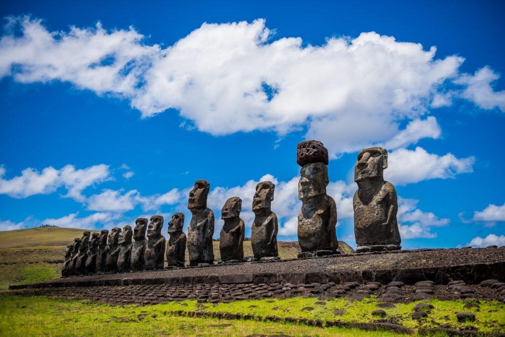 Moai. Imagen de Yerson Retamal en Pixabay