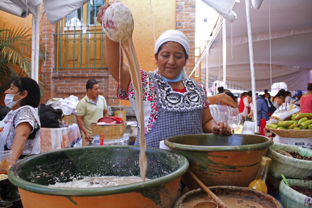 By Secretaría de Cultura Ciudad de México from México - MX MR MUESTRA ALIMENTARIA INDÍGENA, CC BY 2.0, https://commons.wikimedia.org/w/index.php?curid=69397351