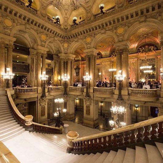 Dinner at Opéra Garnier, Paris. Imagen de Valerian GuillotSeguir vía Flickr