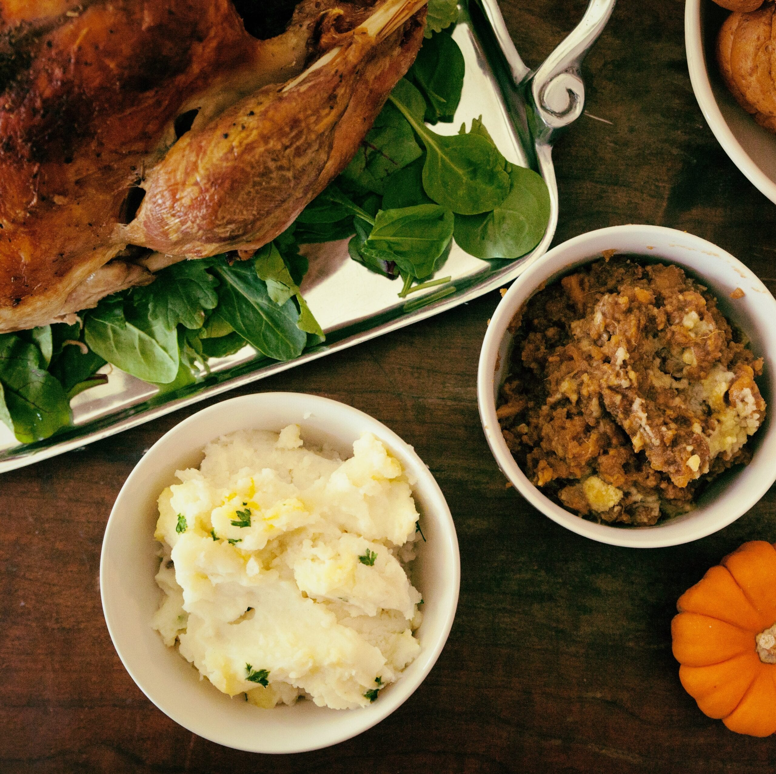 Cena de Thanksgiving. Imagen de  Pro Church Media vía Unsplash