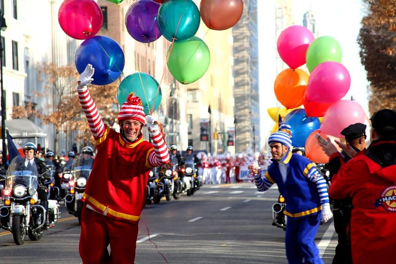 Desfile Macy's 2015. Imagen del Departamento de Transporte de Estados Unidos vía Flickr