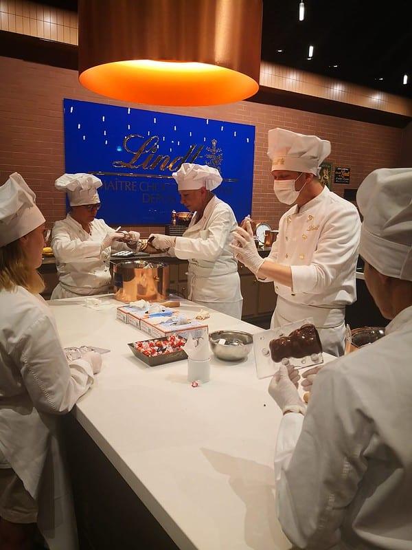 Taller de chocolate en Lind home chocolate. Imagen de SCIB - Switzerland Convention and Incentive Bureau